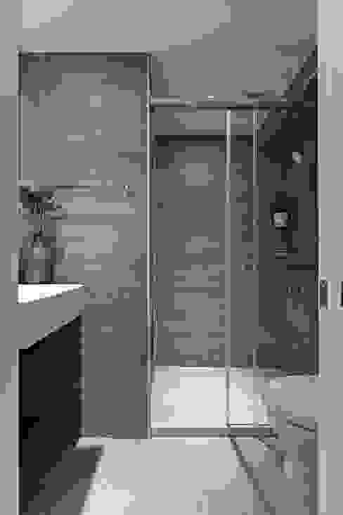 築川設計 Modern bathroom