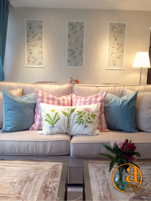 Project @ 342C Yishun Ring Road ab1 Abode Pte Ltd Classic style living room