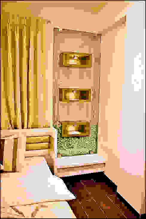 La tierra,Pune:  Bedroom by H interior Design