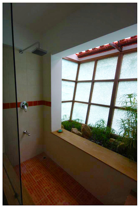 Kannan - Sonali and Gaurav's residence Eclectic style bathroom by Sandarbh Design Studio Eclectic