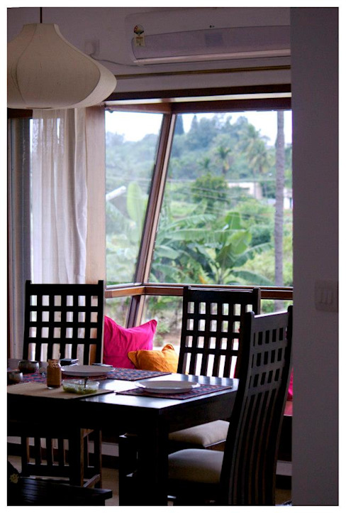 Kannan - Sonali and Gaurav's residence Eclectic style dining room by Sandarbh Design Studio Eclectic