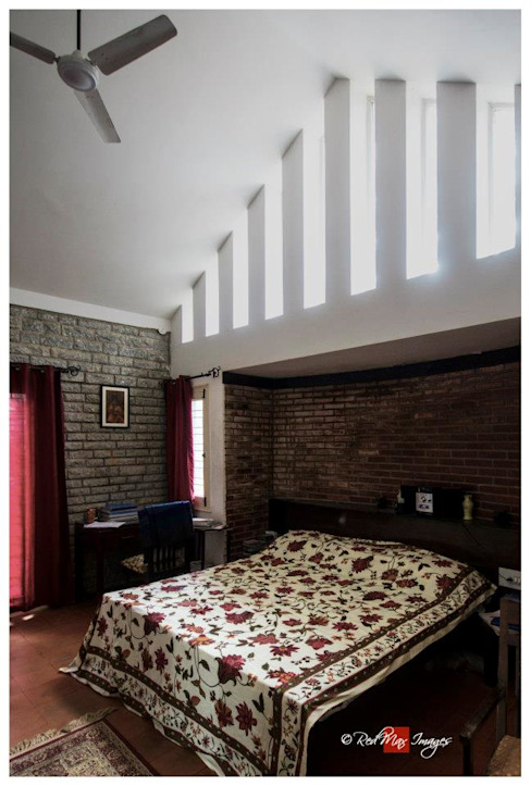 Kaivalya - Bhaskar's residence Eclectic style bedroom by Sandarbh Design Studio Eclectic