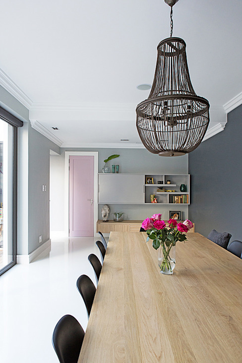 ALTERATION FRESNAYE, CAPE TOWN Modern dining room by Grobler Architects Modern
