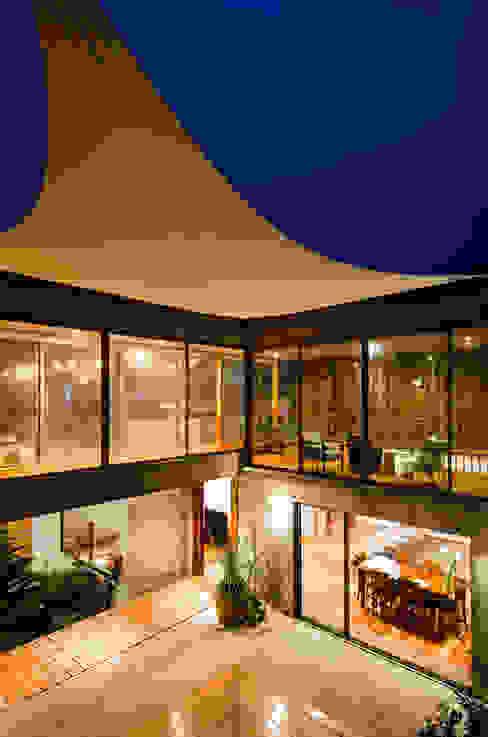 Casa Jardines del Sur : Casas de estilo  por Dx Arquitectos, Moderno