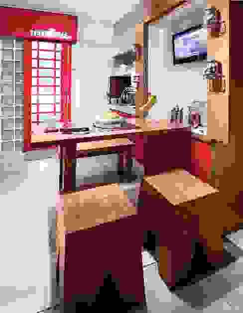 Industrial London inspired apartment SATTVA square Ruang Makan Gaya Industrial