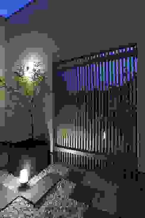 中庭 光庭 やまぐち建築設計室 モダンな庭