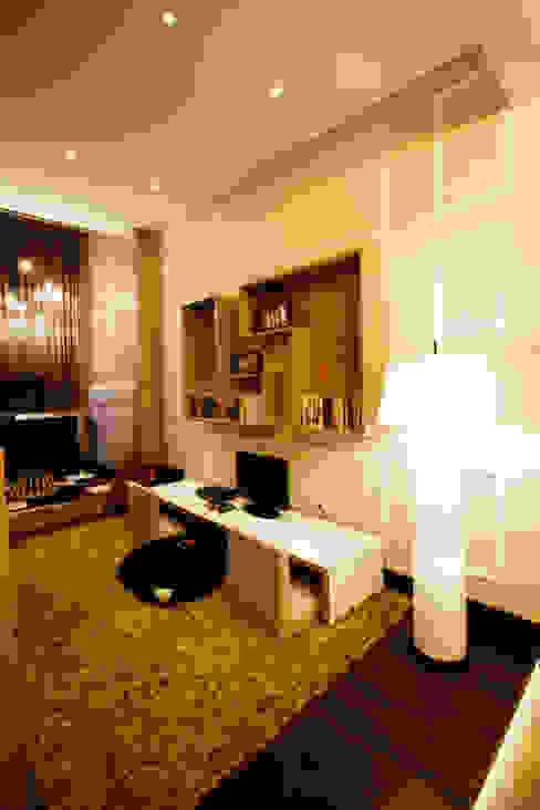 Phòng giải trí phong cách hiện đại bởi Kottagaris interior design consultant Hiện đại