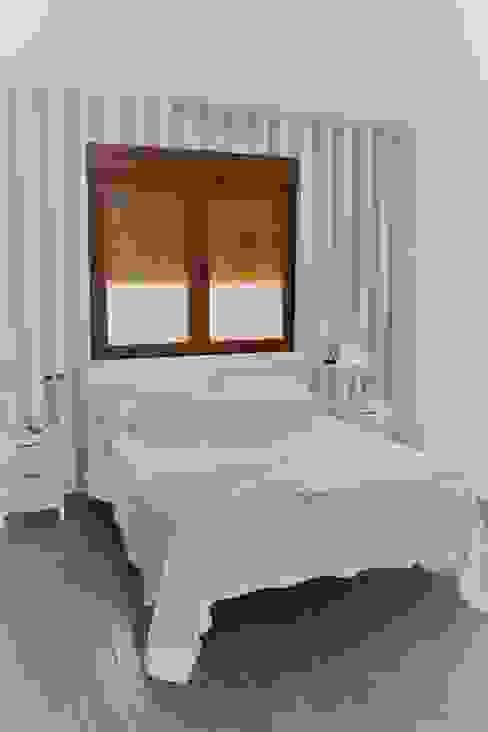 ラスティックスタイルの 寝室 の mh11arquitectos ラスティック