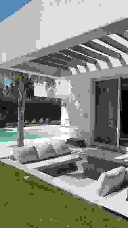 Casa Suriguez Jardines modernos: Ideas, imágenes y decoración de Estudio Victoria Suriguez Moderno