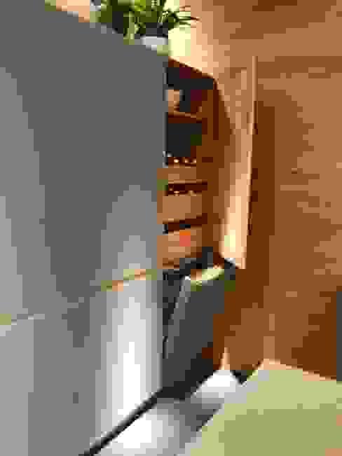 مطبخ ذو قطع مدمجة تنفيذ Wohnwiese Jette Schlund,