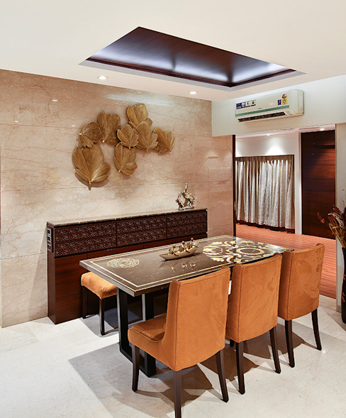 Khar Residence:  Dining room by SM Studio