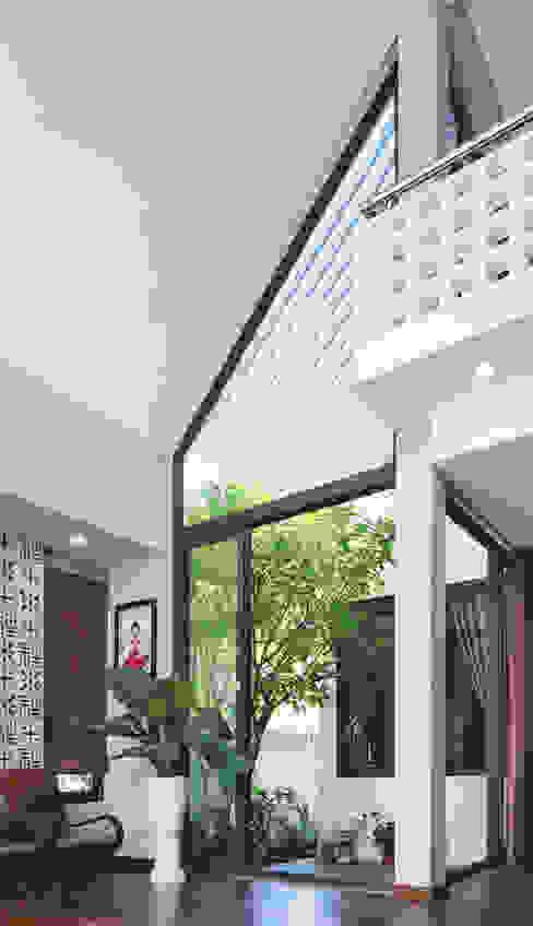 NEW HOUSE bởi RÂU ARCH Tối giản
