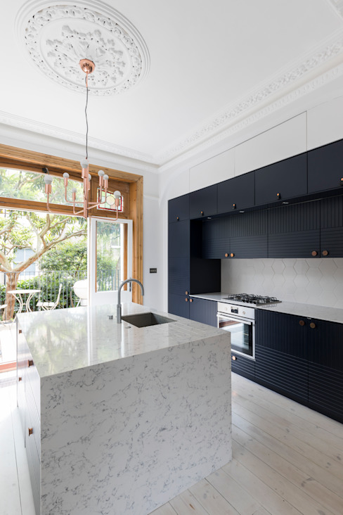 Barton Road Extension Modern Kitchen by R+L Architect Modern