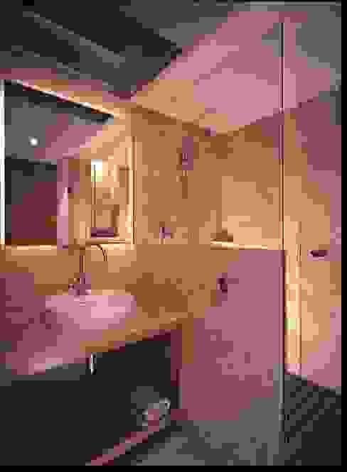 Ванная комната в стиле минимализм от VÁZQUEZ DEL MERCADO - ARQUITECTURA Минимализм