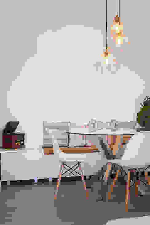 Sala_Zona de Jantar Salas de jantar modernas por Traço Magenta - Design de Interiores Moderno