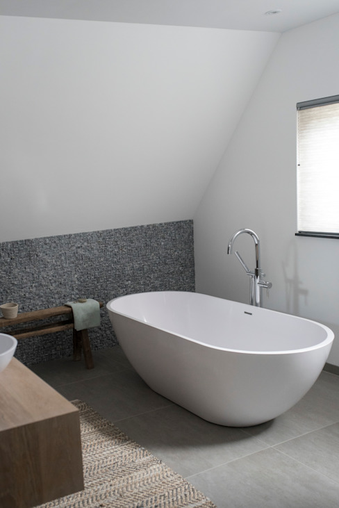 Country style bathroom by Bongers Architecten Country