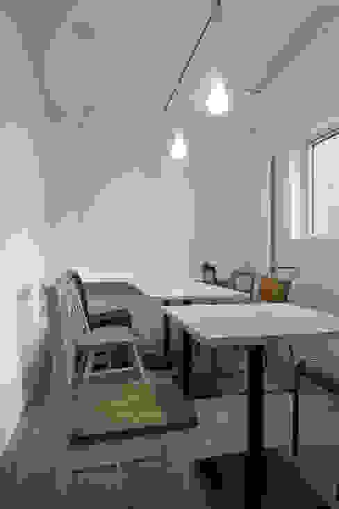 coneco bld. ミニマルデザインの ダイニング の 一色玲児 建築設計事務所 / ISSHIKI REIJI ARCHITECTS ミニマル