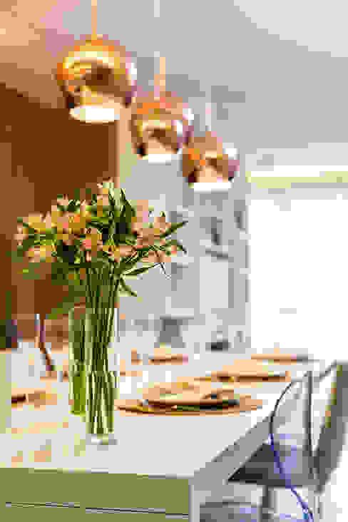 Apto RP_90m² Salas de jantar modernas por Carolina Kist Arquitetura & Design Moderno