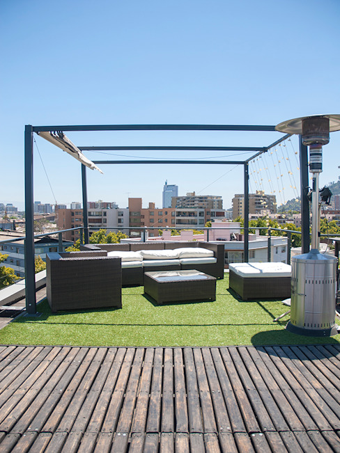 Industrial style balcony, veranda & terrace by Francisco Vicuña Balaresque Industrial