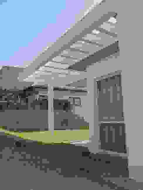 Moderne Häuser von Studio RW Arquitetura Modern