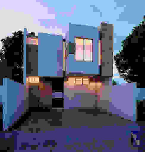 Casas unifamiliares de estilo  por Alan Rangel Arquitecto ,
