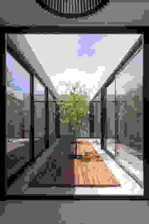 Casa 2LH: Casas de estilo  por Luciano Kruk arquitectos