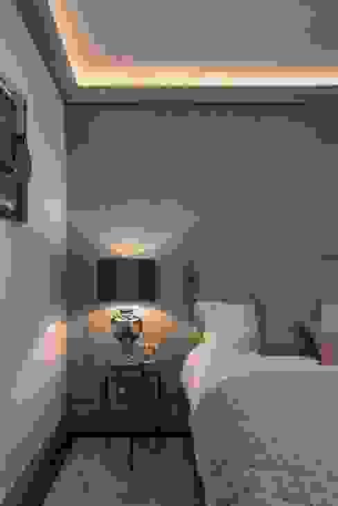 Bedroom Prestige Architects By Marco Braghiroli Modern Bedroom