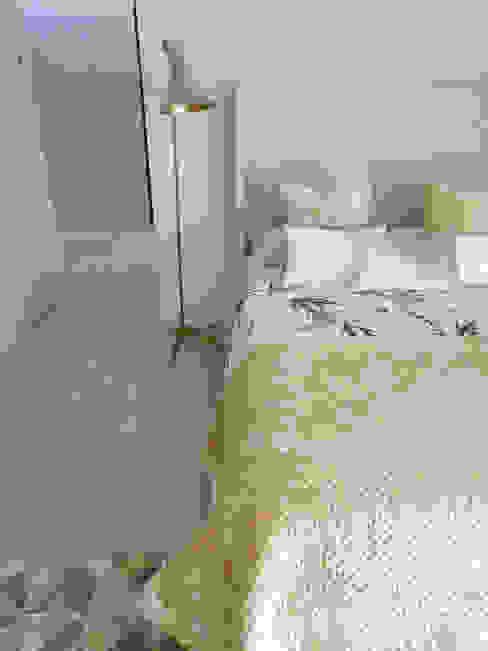 by Tangerinas e Pêssegos - Design de Interiores & Decoração no Porto Modern لکڑی Wood effect