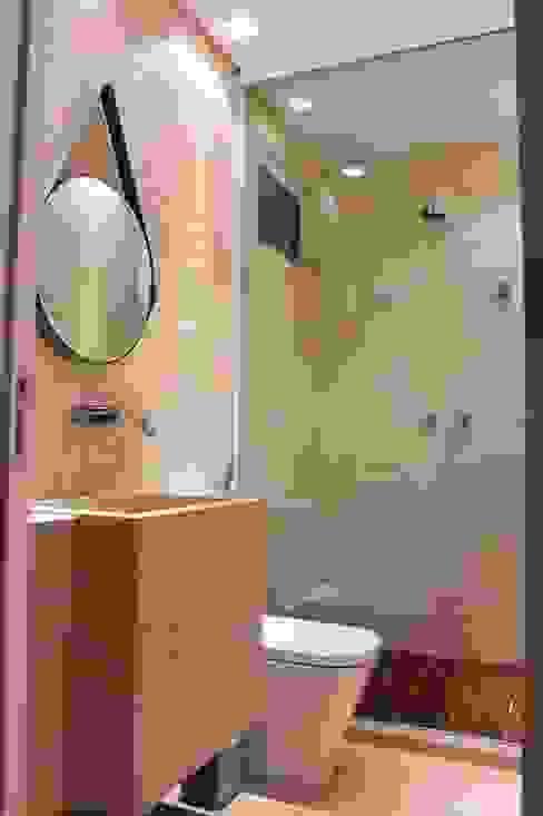 Salle de bain moderne par Opus Arquitetura e Urbanismo Moderne
