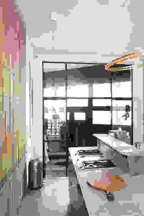 Modern Kitchen by BNLA architecten Modern