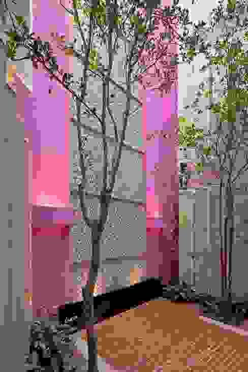 CD8 - Boué Arquitectos Paredes y pisos de estilo moderno de Boué Arquitectos Moderno