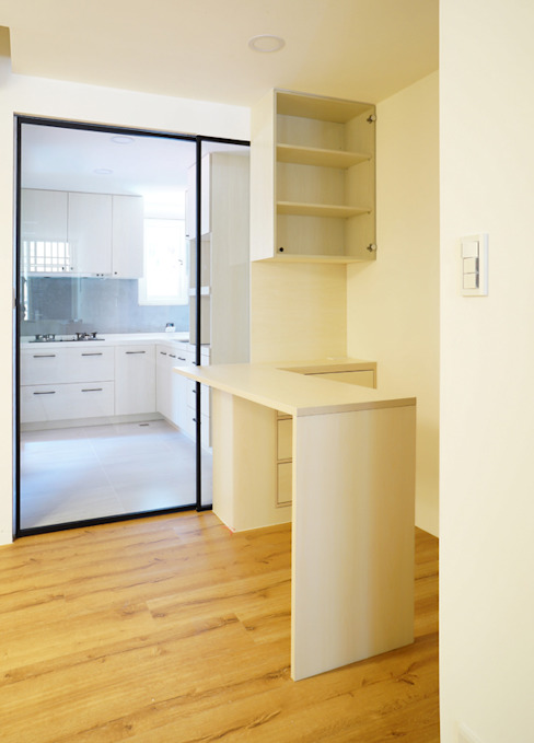 廚房:  系統廚具 by ISQ 質の木系統家具