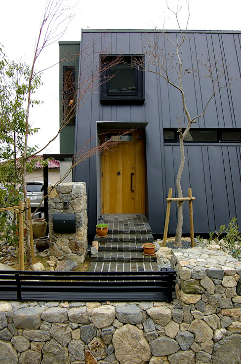 bởi 一級建築士事務所アールタイプ Hiện đại Gỗ Wood effect