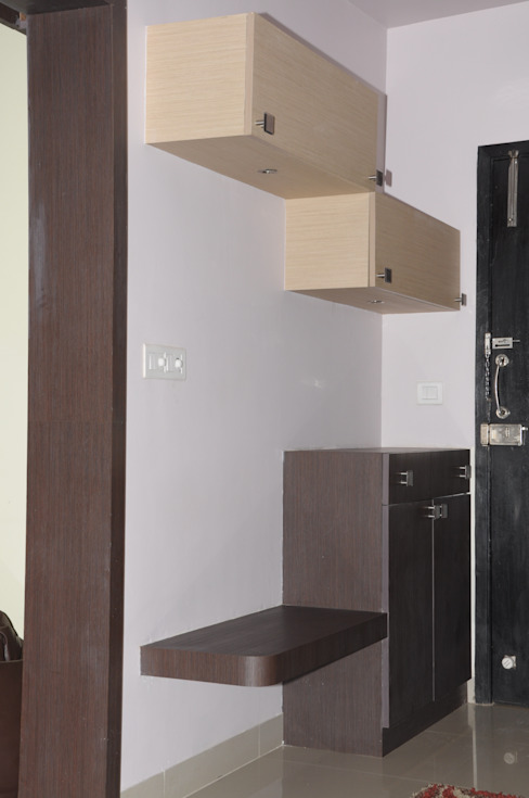 2 BHK APARTMENT INTERIORS IN BANGALORE Modern corridor, hallway & stairs by BENCHMARK DESIGNS Modern Plywood