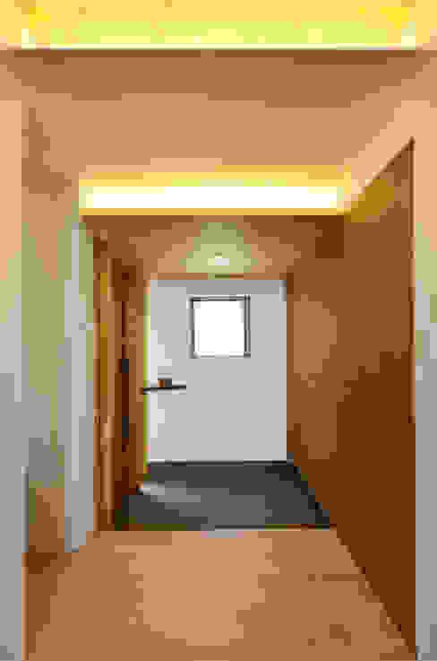 高峰の家 モダンスタイルの お風呂 の 鎌田建築設計室 モダン