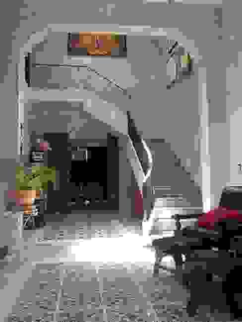 Restauracion Colonial - Eclectica Salones eclécticos de Maya Arquitectura Construccion Ecléctico