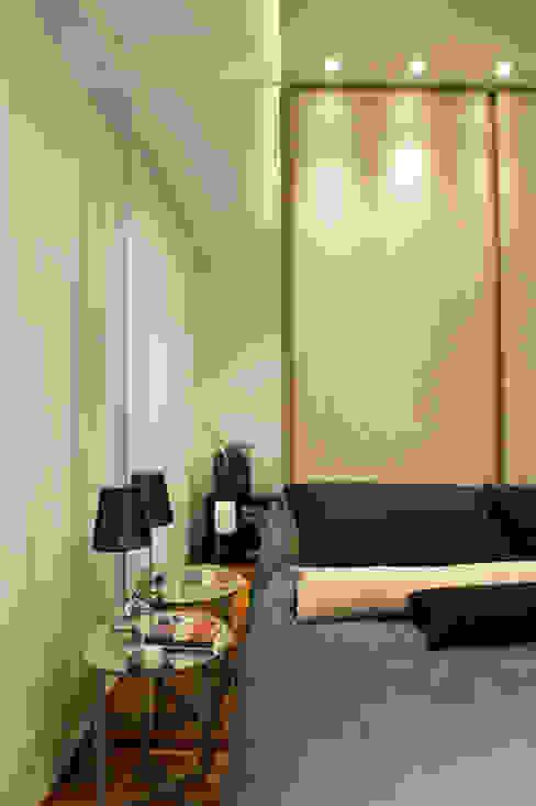 Detalhe quarto Daniel Kalil Arquitetura Quartos modernos