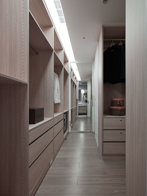 Modern Dressing Room by 沐禾設計事務所 Modern