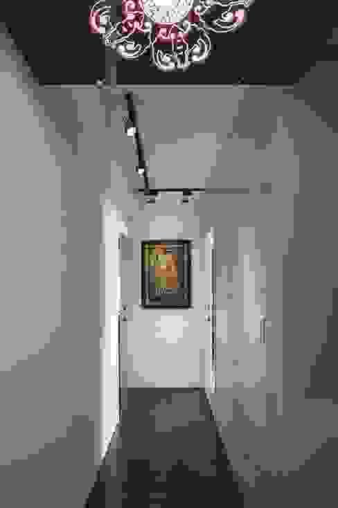 入口廊道 現代風玄關、走廊與階梯 根據 第宅空間設計 現代風