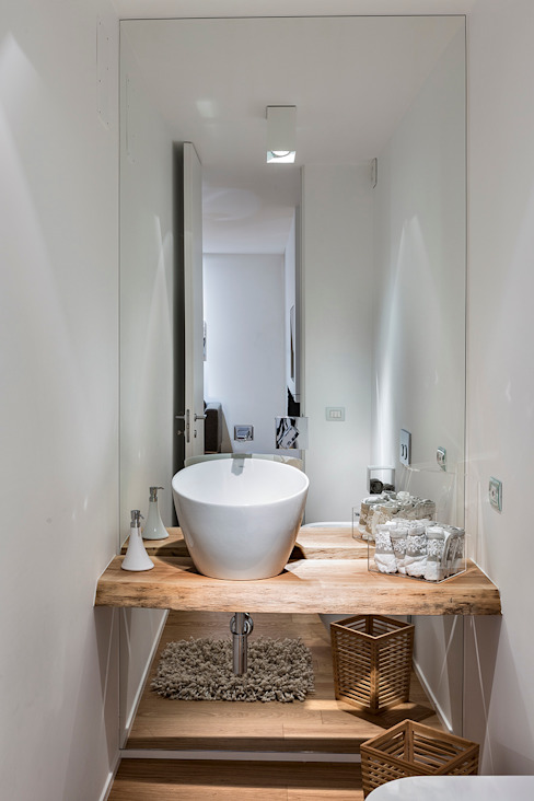 Bathroom by Arch. Antonella Laruccia,