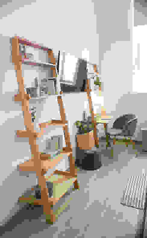 Salon de style  par SH Interiorismo, Scandinave