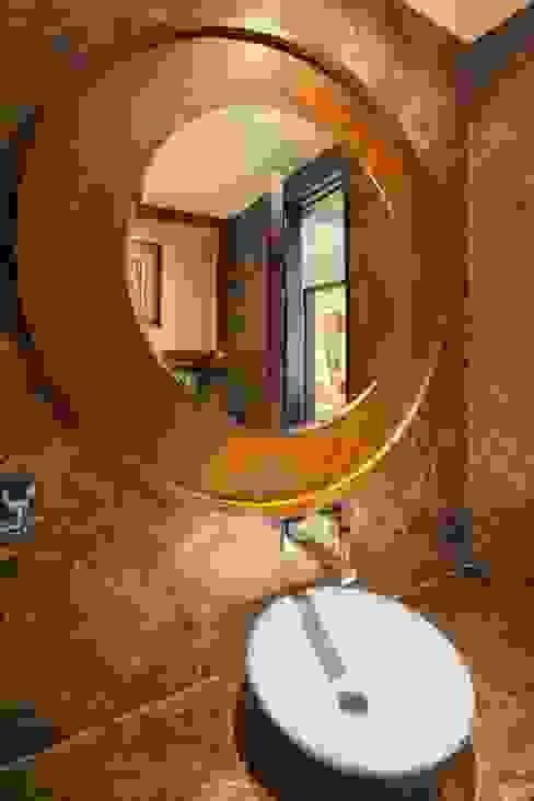 Gujral Residence Modern bathroom by groupDCA Modern