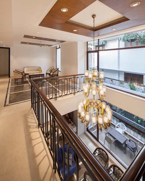Gujral Residence Modern corridor, hallway & stairs by groupDCA Modern