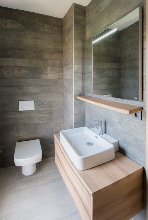 Egeli Proje Banheiros modernos Cerâmica Cinza