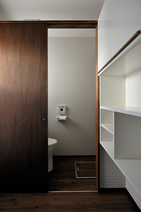 Kamar Mandi Modern Oleh デザイン・ラボ 一級建築士事務所 Modern