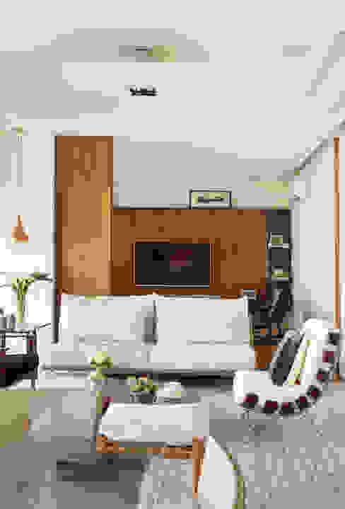 Modern Living Room by andrea carla dinelli arquitetura Modern Wood Wood effect