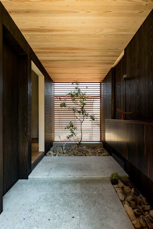 HEARTH ARCHITECTS/ハース建築設計事務所 Modern Corridor, Hallway and Staircase