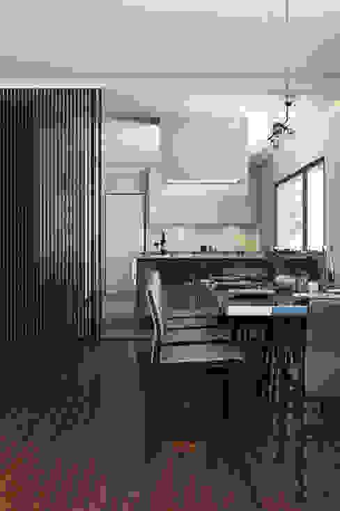 Modern dining room by DZINE & CO, Arquitectura e Design de Interiores Modern