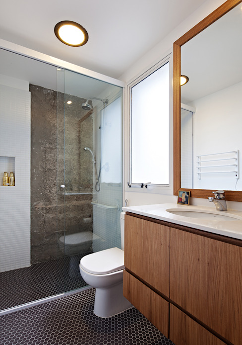 現代浴室設計點子、靈感&圖片 根據 ODVO Arquitetura e Urbanismo 現代風 水泥