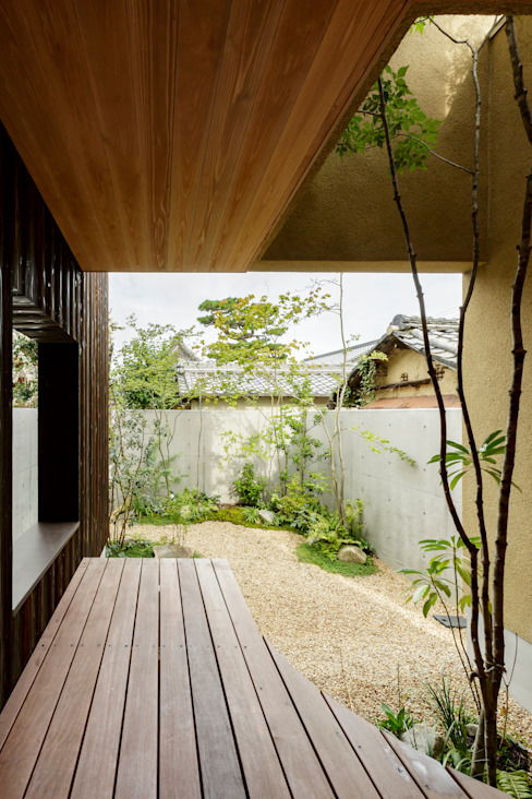 Modern style gardens by HEARTH ARCHITECTS/ハース建築設計事務所 Modern